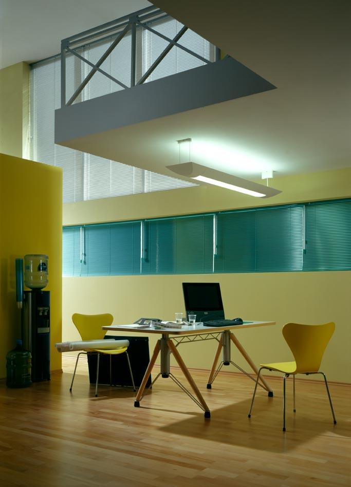 innenjalousien f r senkrechte rechteckige fenster. Black Bedroom Furniture Sets. Home Design Ideas